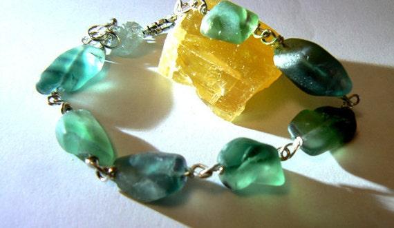 Green fluorite bracelet- Green fluorite gemstone jewelry - Rough fluorite silver bracelet- Stone boho jewelry- Women fashion bracelet