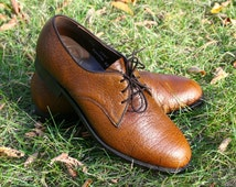 VIntage Dack's.  Bespoke Shoes.  Brown.  Water Bison.  Leather.  Made in Canada.  Mens Size 6.  Womens 7.5