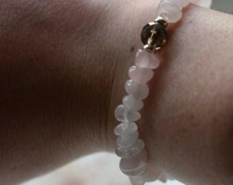 Semi-precious rose quartz nugget elasticated gemstone bracelet with faceted smokey quartz and sterling silver rondelles (B179)