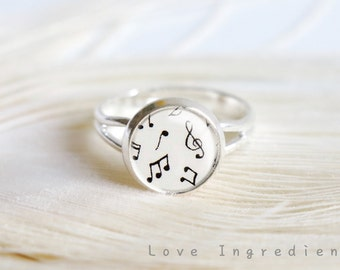 Musical notes ring, Music lovers gift, silver vintage ring everyday jewelry resin ring friendship ring holiday gift, free gift box, R018