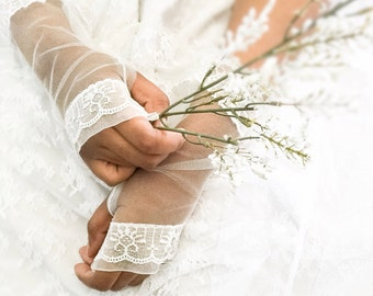 Wedding gloves, fingerless gloves, bridal gloves, Ivory gloves, netting gloves,
