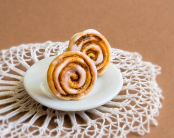 Cinnamon buns studs miniature food