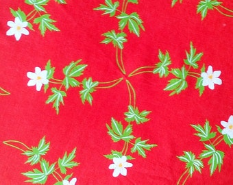 Vintage Strawberry Red & White Floral Print Round Table Cloth - 62 inch