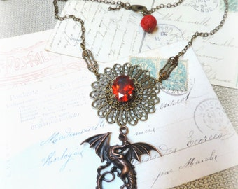 Mother of Dragons ;  réalisé sur commande , Collier Daenerys , inspiration Game of Thrones