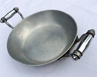 Mid Century Vintage French Small Aluminium Sauce, Fry Pan