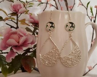 Cherry Blossom Earrings, White Daisy Earrings, Daisy Bridesmaid, Green Floral Earrings, Rosebud Earrings, Pink & White Flowers, Garden E5320