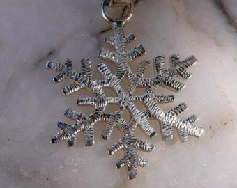 Snowflake pendant in silver