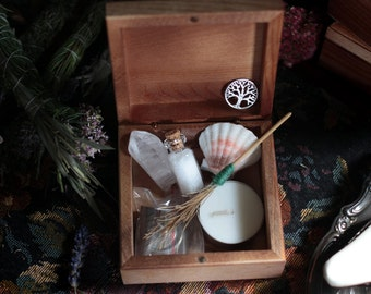 Wiccan Altar Starter Kit, Pagan Ritual Traveling Box, Clear Quartz, White Sage, Besom, Calling The Quarters, Crystal Healing, Witchcraft