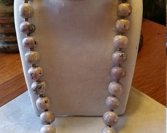 Vintage Agate Stone Beaded Necklace