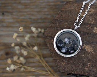 Birth Moon Locket Necklace, Family Birth Moon Phases, Birth Moon Phases, Family Jewelry, Moon Phases Locket, Birthday Moon Family, Family
