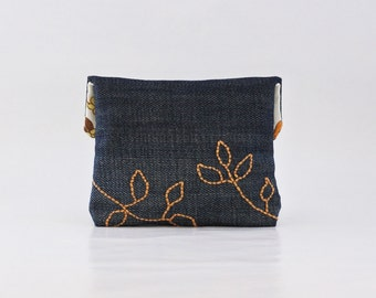 Small Coin Purse. Retro Eco Friendly Denim Purse with Autumn Leaves. Change Purse. Coin Pouch. Upcycled Recycled Repurposed. Vegan Purse.