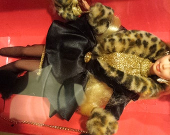 NRFB 1995 Spiegel SHOPPING CHIC Barbie Doll 14009 ~ Limited Edition ~ Poodle Leopard Print