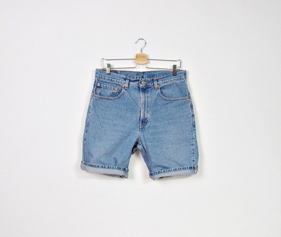 SALE - 90s LEVI'S 505 Men's Denim Shorts / Size W33