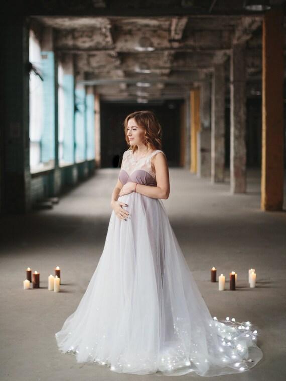 Mutterschaft Brautkleid mit schiere offenen Rücken verziert