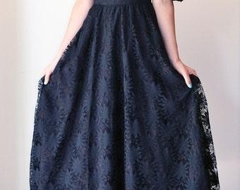 Black Lace Vintage Evening Dress