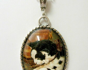 Black and white cat pendant with chain - CAP09-010