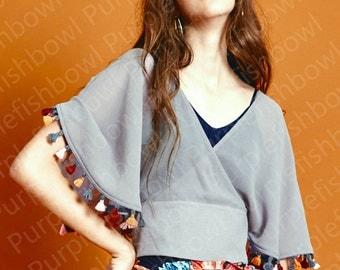 La Chic Parisienne collection grey/black tassel top