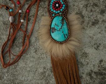 "Embroidered collar amerindien ""Awanatu"""