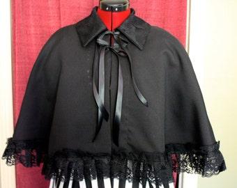 Gothic Lolita Caplet in Black