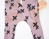 "organic baby leggings baggy pocket with drawstring in ""X"" mark print"