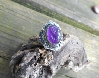 Amethyst ring, purple amethyst ring,size 7 1/2 ring,amethyst rings,purple amethyst rings, gothic amethyst ring, birthstone jewelry,goth ring