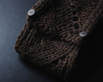 Mänty - Long scarf with lace pattern