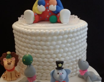 Circus Birthday Party, Carnival Centerpieces, Clown Birthday Party, Circus Birthday Cake, Circus Party Decoration, Clown Cake Decorations