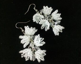 Lily of the valley Earrings beaded Flower earrings Wedding earrings Spring flowers White jewellery Lilly of the valley White beaded earrings