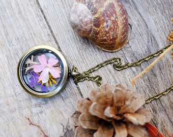 Locket necklace, real flower necklace, bridesmaid gift,terrarium necklace,glass necklace,romantic necklace,botanical jewelry,floral necklace