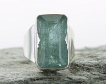 Aquamarine silver ring. Size 9. Natural stone. Aquamarine facetted ring. Aquamarine gemstone ring. Ring size R 1/2. Engagment ring. Beryl.
