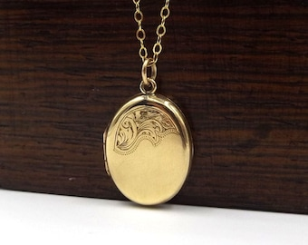Vintage 9 Carat Gold Oval Locket Necklace | 9ct Gold Back And Front Locket Pendant On A Chain