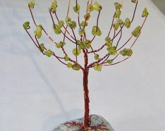 Peridot Oak Crystal Gem Tree Sculpture (Small)