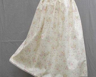 Plus size Skirt, cream floral skirt, upcycled skirt, full skirt, 1x 2x 3x 4x 5x skirt, OOAK skirt, one of a kind skirt, eco friendly skirt