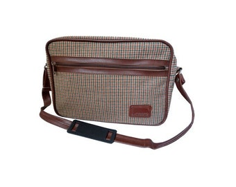1960s FAVO canvas  messenger Bag // laptop recycled // MOD