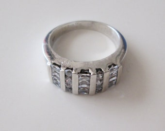 925 Sterling silver Vintage CZ Thick Band ring, size 8