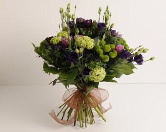 Wild Meadow Fresh Flower Bouquet   White Roses, Lilac Lisianthus,  Green Chrysanthemum, Fresh Garden Foliage Flower Gift   UK Delivery