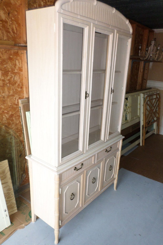 VVH Vintage Lighted Faux Bamboo China Cabinet 2-PIECE Bamboo