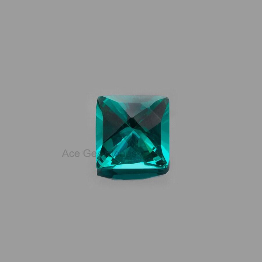 amazing cut gemstone teal quartz faceted square