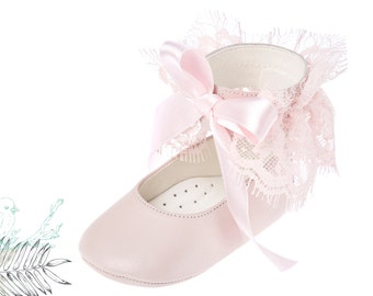 Baptism girl shoes Baby girl moccasins Baby moccasins Crib girl shoes Leather baby shoes Lace girl shoes Pink shoes 1 2 3 4 US EU 17066022P