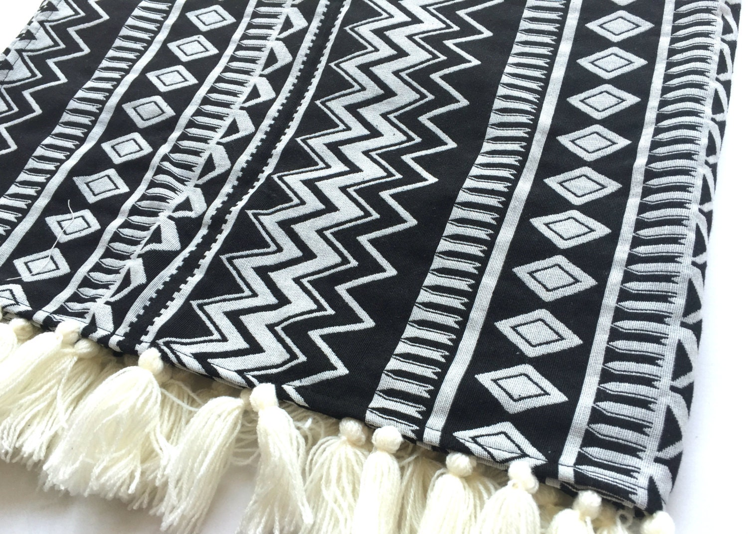 tribal aztec blanket black and white bohemian throw blanket. Black Bedroom Furniture Sets. Home Design Ideas