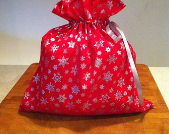 Christmas gift bag. Holiday gift bag. Cloth gift bag. Reusable gift bag. Gift bag. Reusable bag.