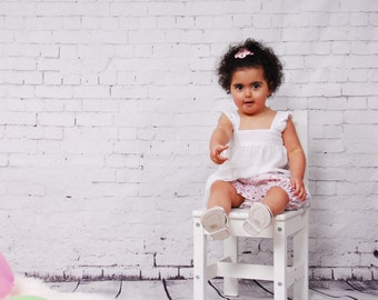 Baby girl bloomers in white with flower print