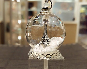 Eiffel Tower Glass Globe Pendant, Eiffel Tower Pendant, Eiffel Tower Necklace