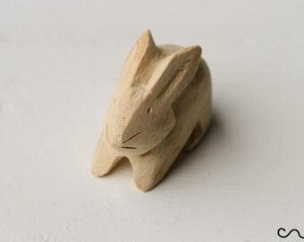 Lovely Small Wooden Rabbit Bunny Hand-carved Handmade DIY Art Craft Farm Animal Natural Wood Cute