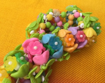 1960's flower Plastic Elasticated Bracelet