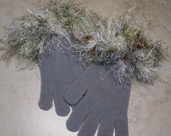 Gray Knit Winter Gloves, Novelty Festive Gloves,Crochet Embellished Cuffs, Faux Furn Yarn Cuffs, Elegant, Gift for Her, Festive Gloves