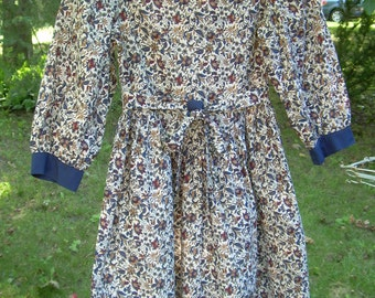 Sale!  ELEN HENDERSON Designer Girl's cotton  DRESS with floral print. Marked  Size 8. Below knee length, dropped V waist at  front. Canada