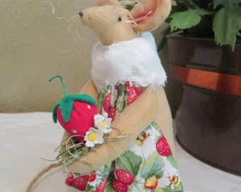 Primitive Mouse , Strawberry Garden Mouse , Handmade Folk Art  Fabric Mouse with Fruit , Room Decoration
