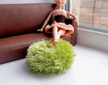 Dollhouse pouf one sixth scale, Green fluffy pouf, Handknitted ottoman pouf for Barbie, Playscale diorama furniture, 12 inch Fashion dolls