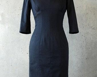 Black Wiggle Dress. Cine Noir. 80s does 40s. Midi dress. Fully lined. S - M